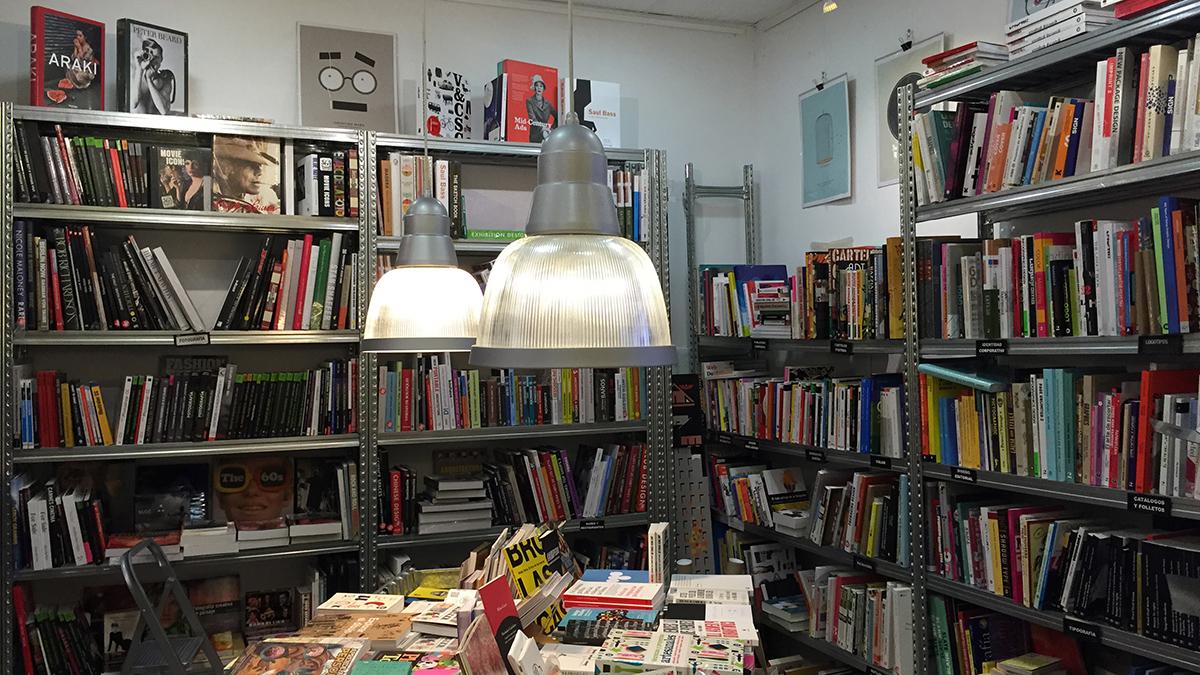 Interior de la librería.
