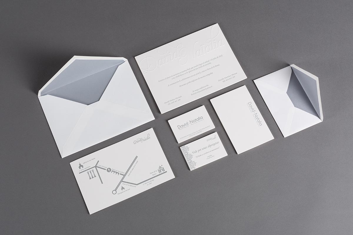 Invitación de boda, tarjeta y sobre. Conjunto de piezas