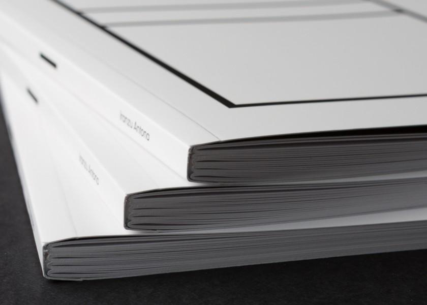 Encuadernación editorial rústica o tapa blanda