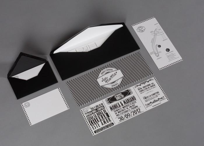 Conjunto de piezas para boda: sobres, invitación, plano y tarjeta de agradecimiento