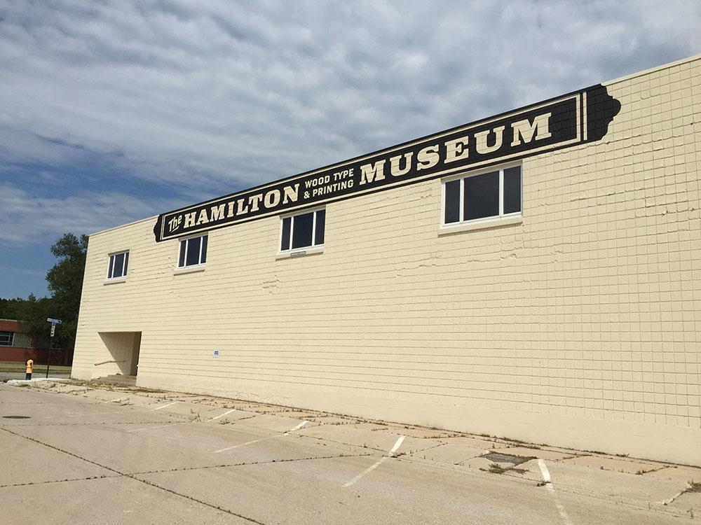 Fachada del Hamilton Museum - Letterpress