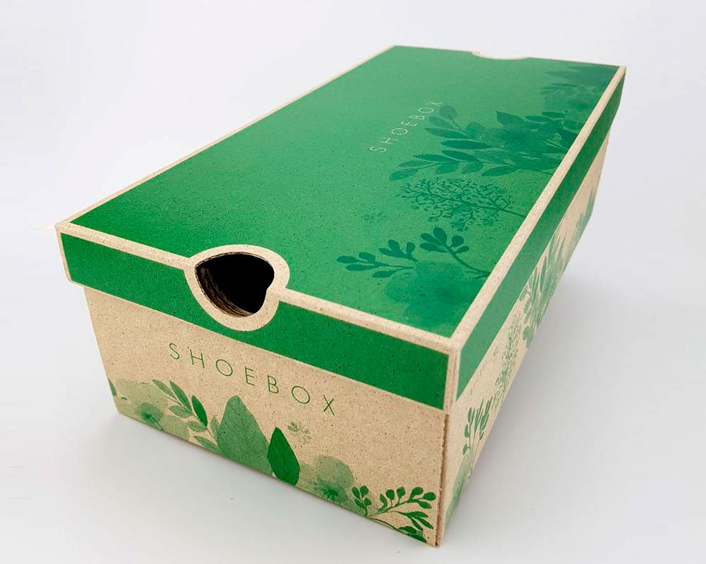Caja de zapatos impresa en verde hecha con Graspapier papel ecológico