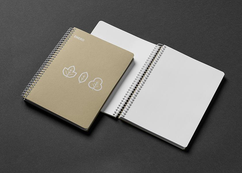 Cuaderno con espiral blanca